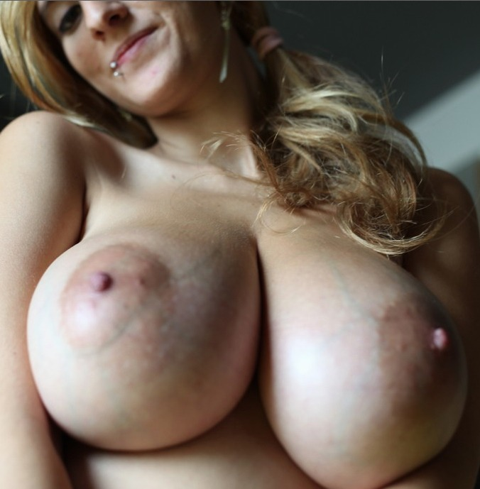 amateur threesome very hot and complete scene tmb