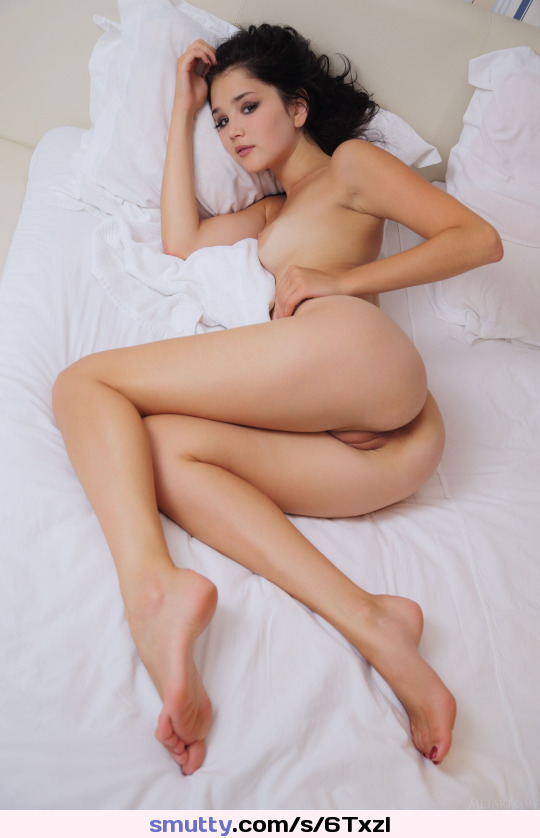 melvina raquel playing with her beautiful british pussy part