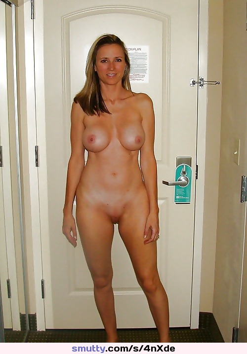 housewife galleries with hot housewife photos