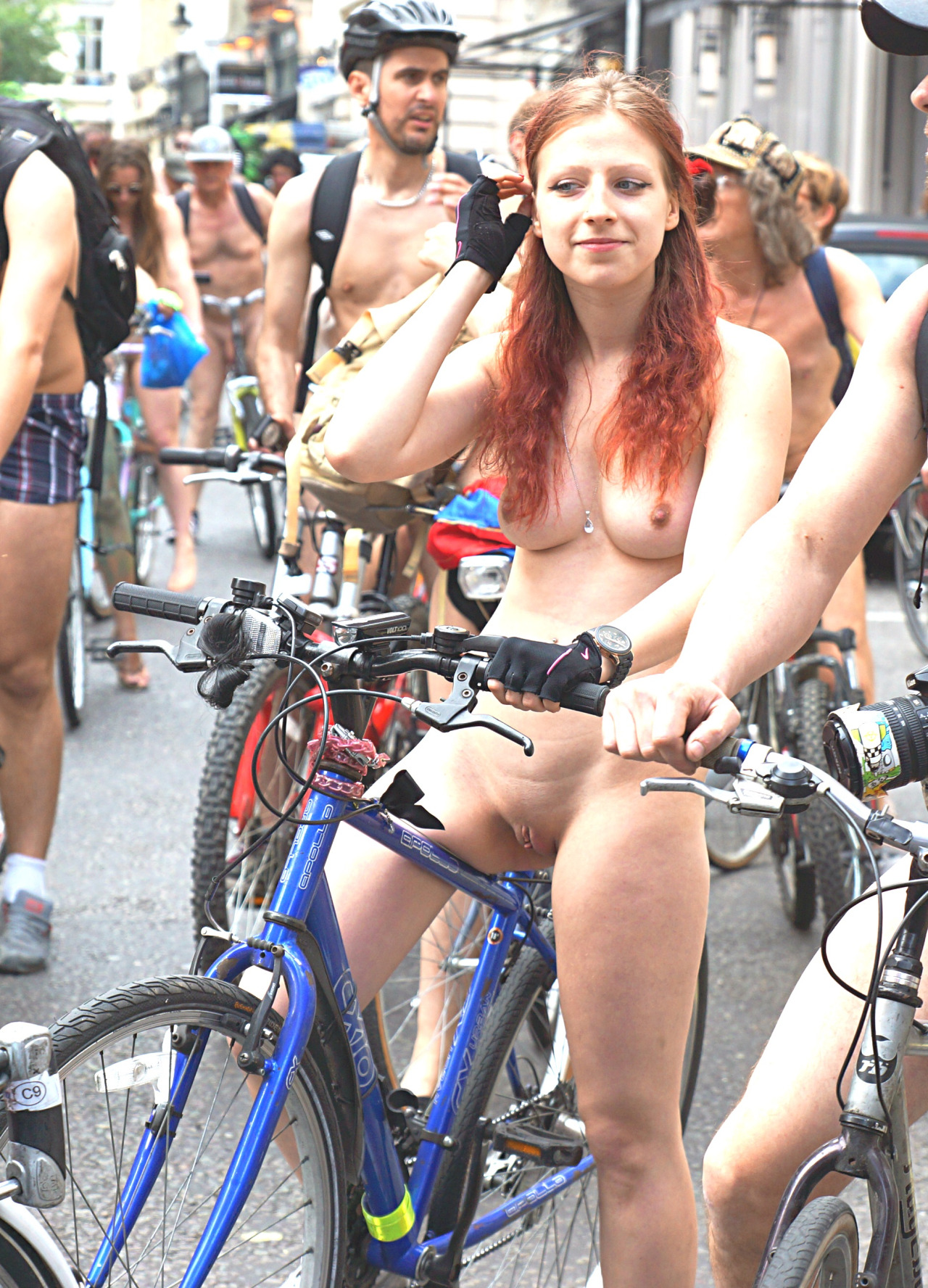 lisa kudrow getting fucked in fake pics pichunter Bicycle, Bike, Completelynaked, Cyclerotica, Iuploadedthispicwithmydick, Pale, Redhead