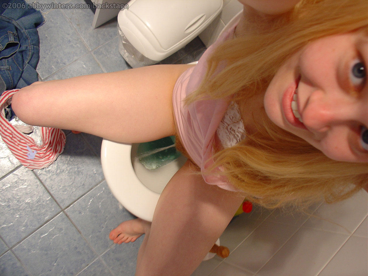 blond babes eve smile and wiska in foot fetish hardcore