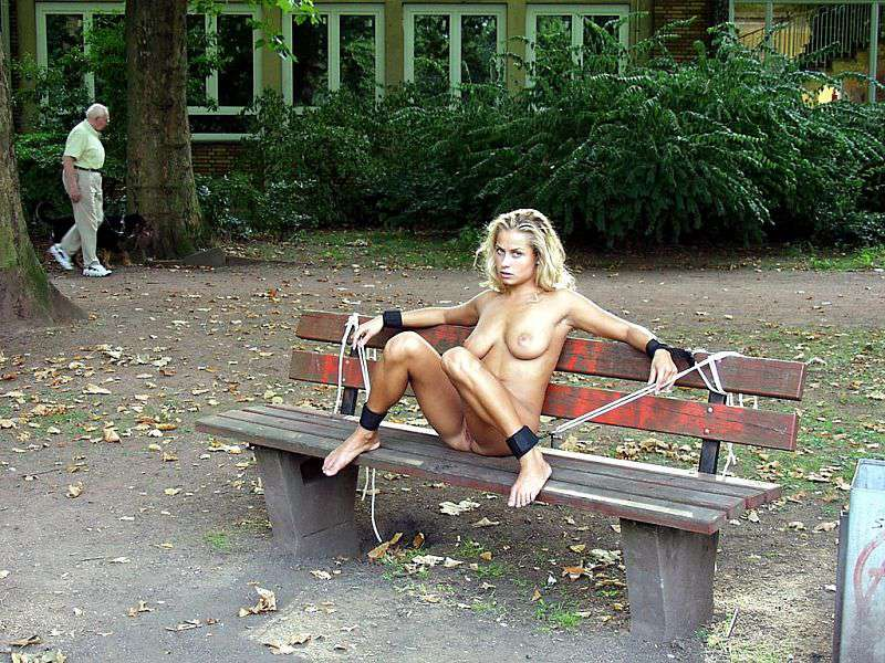 hot sandra brust takes a walk in the park hot see more xvideos com