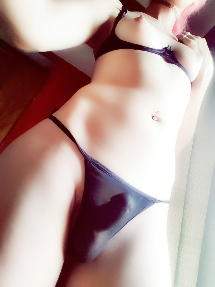 japan cute girl open pink pussy pics