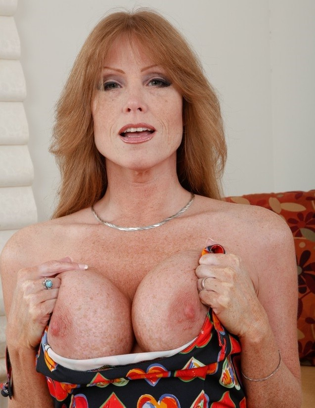stunning yellow haired cherry lady double pounds wet holes tmb