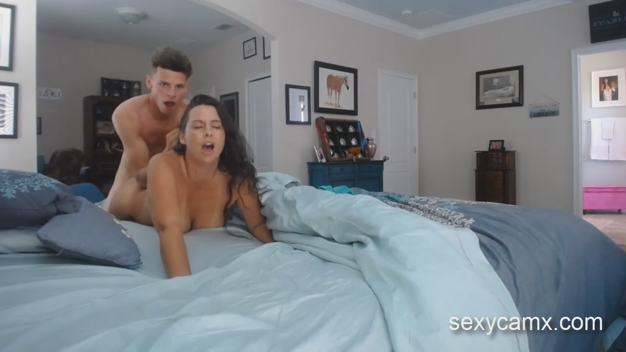 brunette fucked doggystyle at college frat party