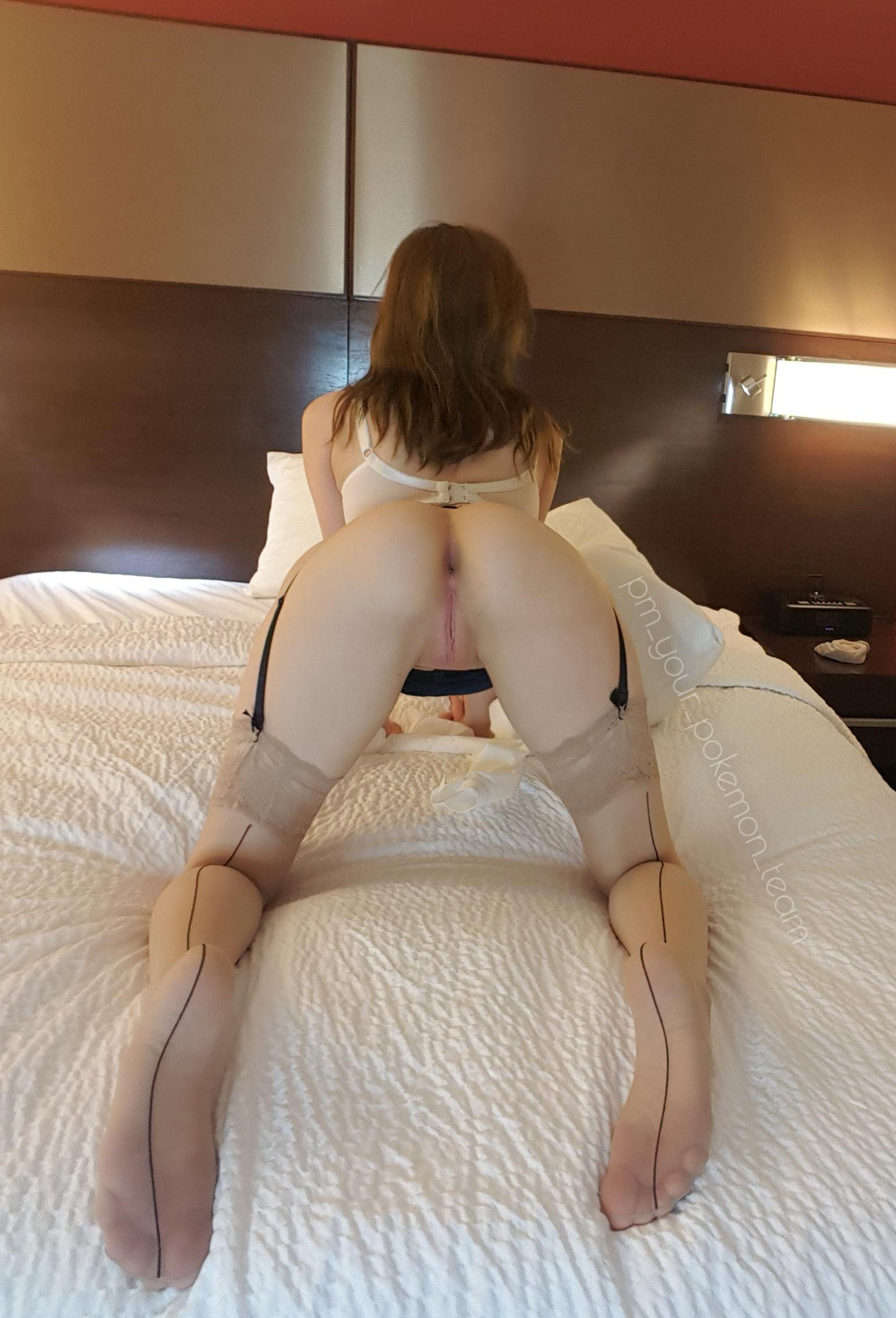 squirter gushing with her bald pussy masturbating